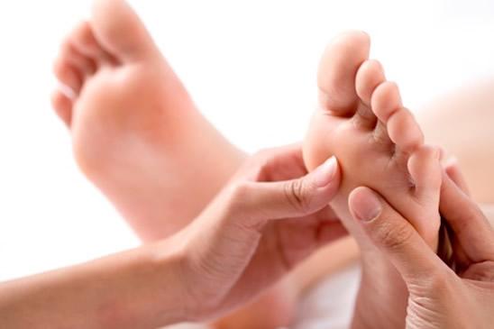Masaje de pies y espalda